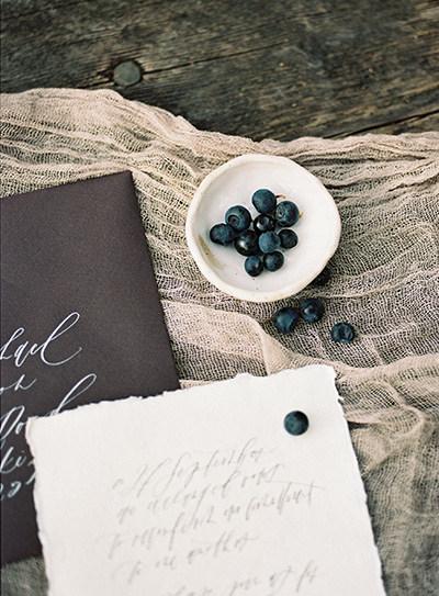 Organic wedding stationery | Wedding calligraphy | Nord & Mae