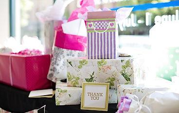 gifts-2447537_640.jpg