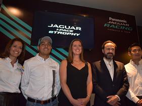 SOCIAL   La Residencia Británica en México, recibe al equipo Panasonic Jaguar Racing
