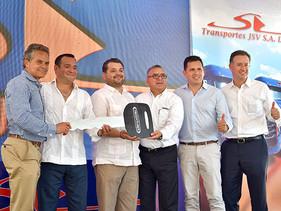 EMPRESAS   Integra Grupo Santana Vega, 50 Nuevos Cascadia a su parque vehicular