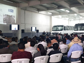 EMPRESAS | VW Camiones y Autobuses inicia caravana de buses