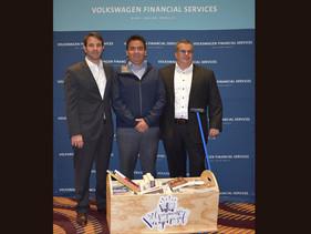 SOCIAL   Volkswagen Financial Services cierra campaña de Libromóvil