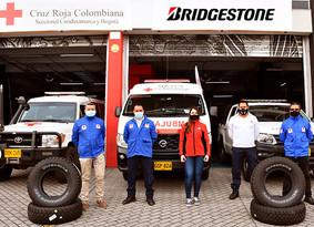 Bridgestone Renueva las Llantas de 42 Ambulancias de la Cruz Roja