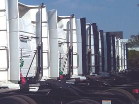 EMPRESAS | Cae 76.9% venta de pesados en abril