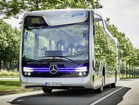 """Presentó Mercedes-Benz """"Future Bus"""" con CityPilot"""