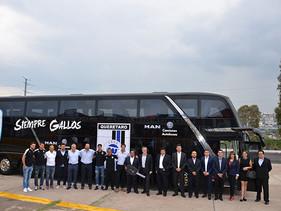 SPORT | Gallos Blancos de Querétaro estrena un Autobús MAN doble piso