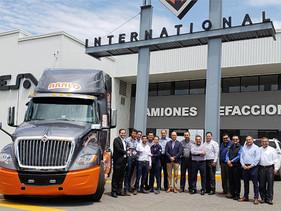 EMPRESAS | Navistar México entrega unidad serieLT International a ARALO Express