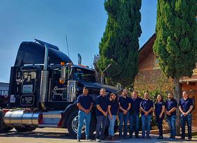 Kenworth felicita a García's Trucking en su 25 aniversario