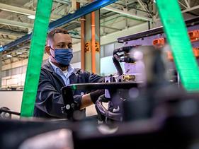 TECNO | VW Caminhões e Ônibus inicia el ensamblaje de los primeros camiones eléctricos e-Delivery