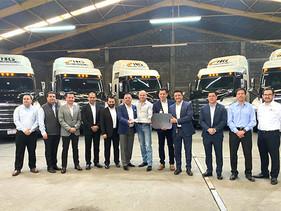 CARGA | Entrega Freightliner 10 nuevos Cascadia a HG Transportaciones