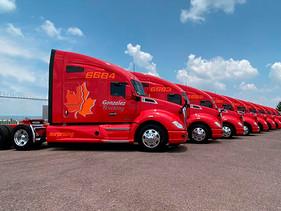 CARGA | Suma González Trucking más de 60 unidades Kenworth