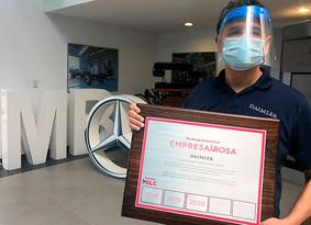 Mercedes-Benz Autobuses es reconocida con el Distintivo Empresa Rosa