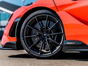 Pirelli lanza el nuevo P Zero Trofeo R para el McLaren Super Series