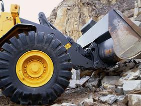 LLANTAS | Ingeniería e innovadora tecnología de los poderosos neumáticos OTR Goodyear