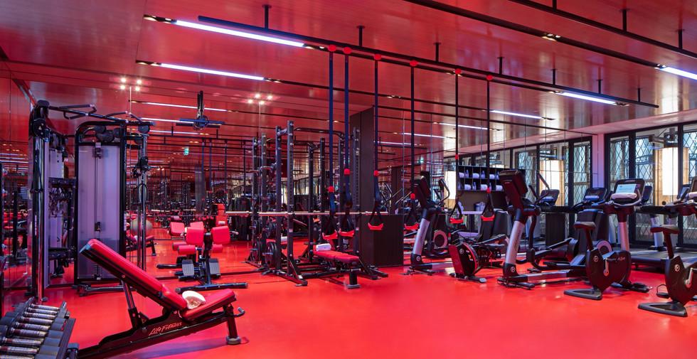 Hotel Lutetia - Akasha Spa fitness area.