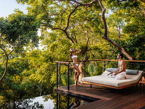 Lifestyle_OceanTreeHouse_Terrace_Lounger