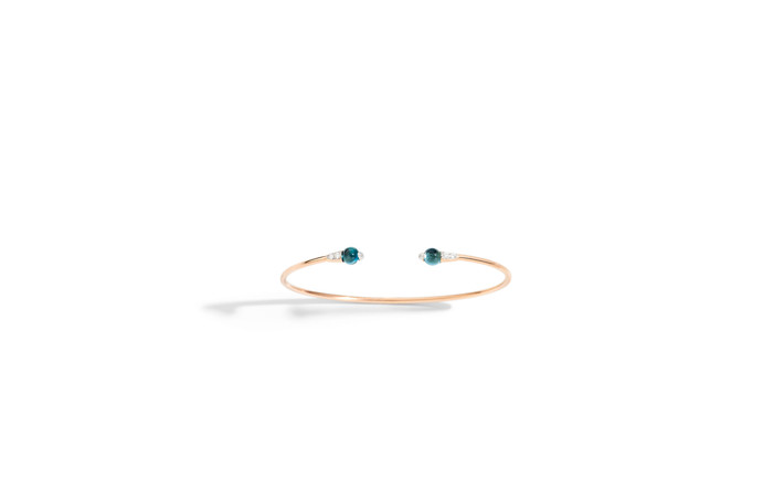 M'ama Non M'ama bangle with blue London topaz by Pomellato_2018 Collection.jpg