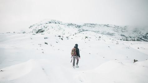Mt_albert_edward_winter_hike_jk.jpg