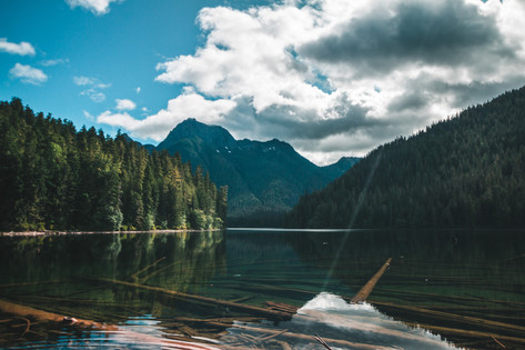 Traumhafte_Berg_Seen_Vancouver_Island_Bl
