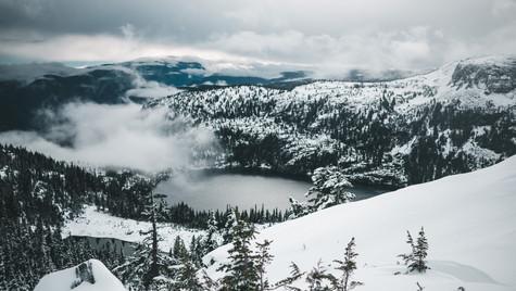 Mt_albert_edward_summit_view_winter_hike