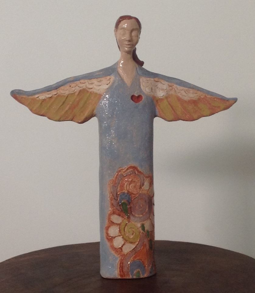 Ella y sus alas