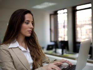 Mulheres com longas jornadas de trabalho têm mais dificuldade para engravidar