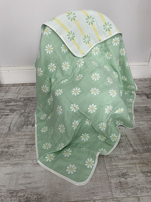 Daisy Reversible Cot Blanket
