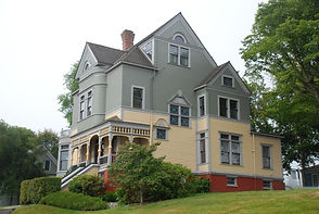 Victorian House In Port Gamble