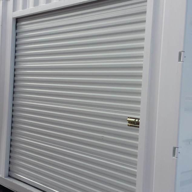20' Roll Up Door Container