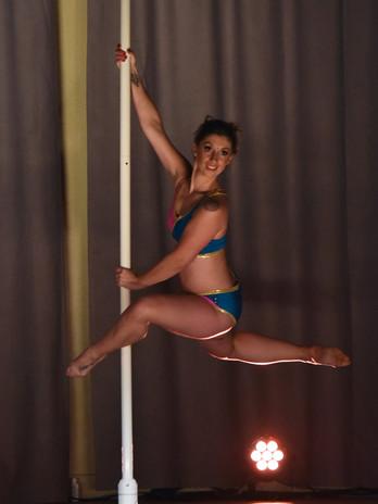 Missy Wavy et sa pole dance