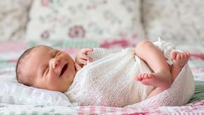 Bebês sabem a diferença entre a risada de um amigo e um estranho!