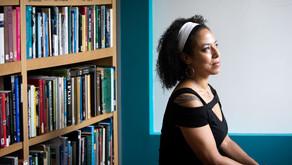 Ela experimentou racismo e preconceito como uma mulher negra gay na ciência, mas venceu!