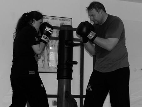 Was tun gegen Schwinger? – Boxlehrgang mit Leo Istas