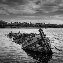 Ship wrecked - Landscapes