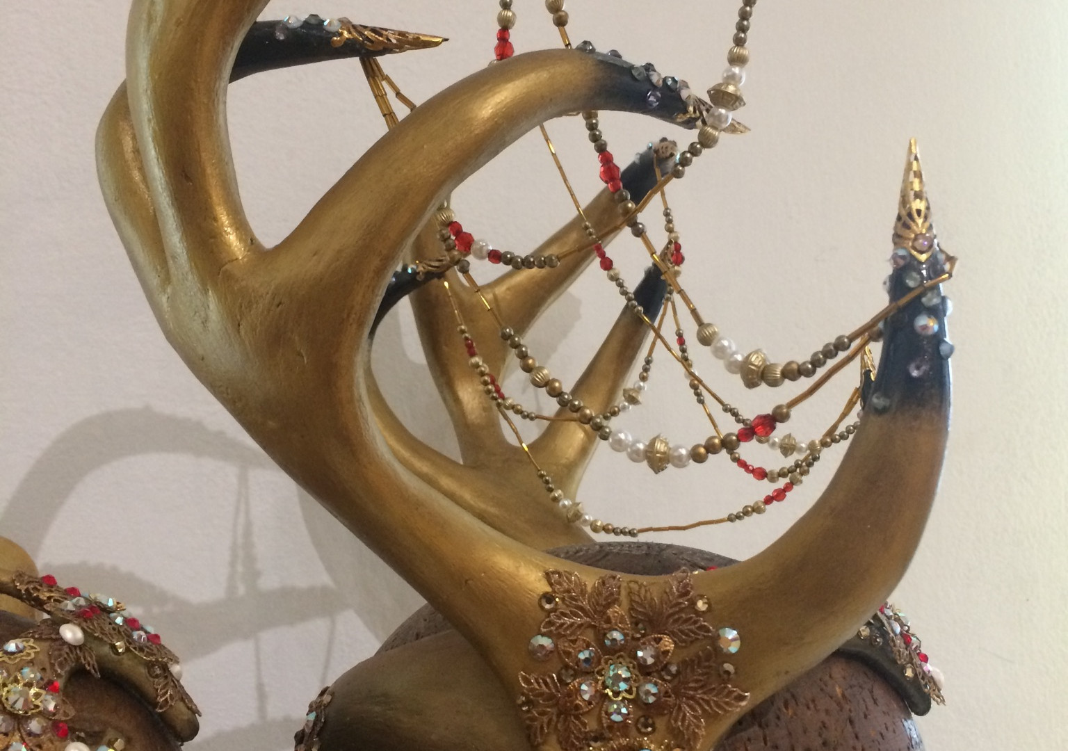 Wedding headpiece with atlers
