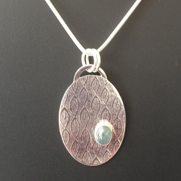 Green sapphire pendant