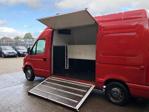 NOW SOLD - 2001 3.5t Renault Master Horsebox with 174k original miles