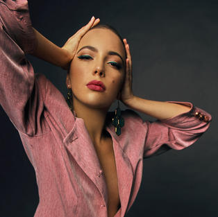 Sabrina 9 (c) Darya Kucher.jpg