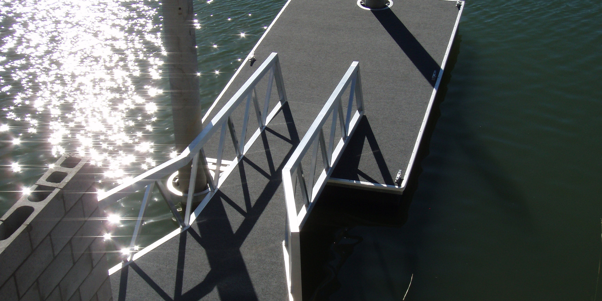 Double Pile Finger Pontoon w/ Double Entry Gangway