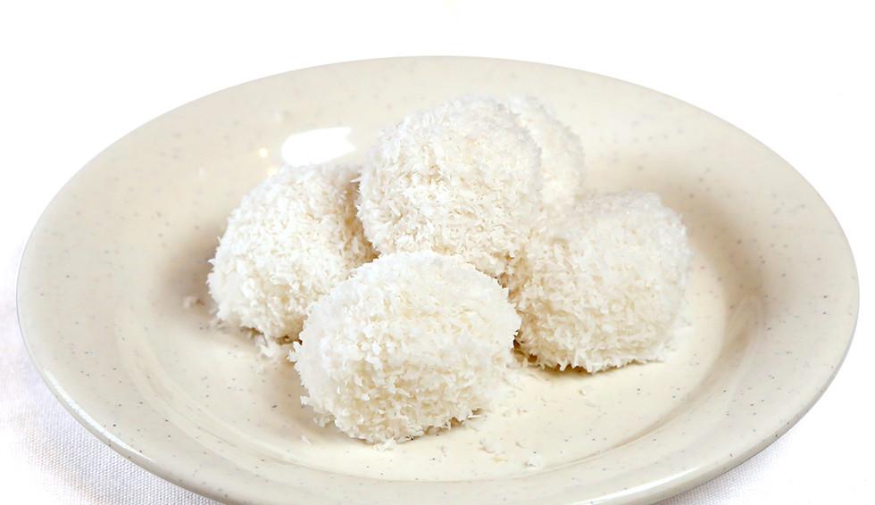 Desserts coconut mochi.jpg