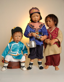 Batar, Bolormaa en Aryama komen uit Mongolie • Batar, Bolomaa and Aryama are from Mogolia