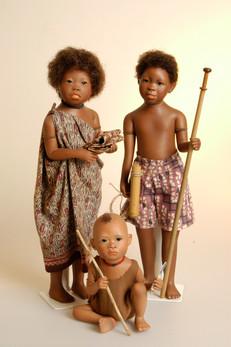 Leka, Kupeng en Suku  • Leka, Kupeng and Suku