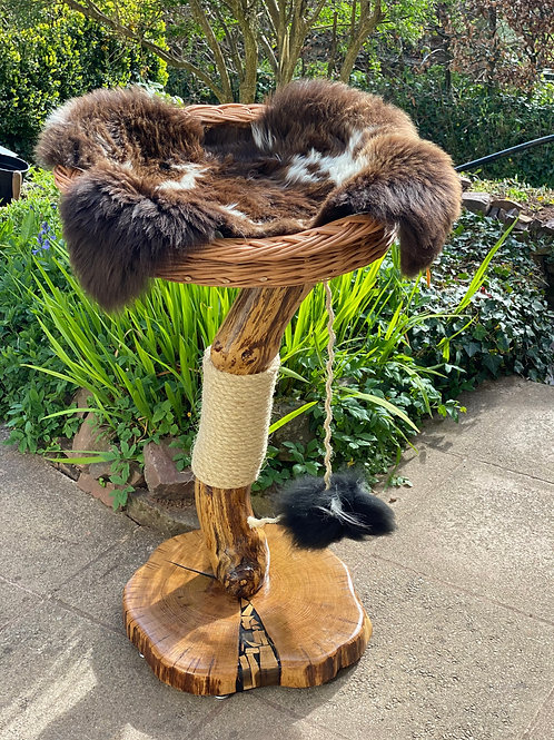 2321 Snuggles Cat tree For Two