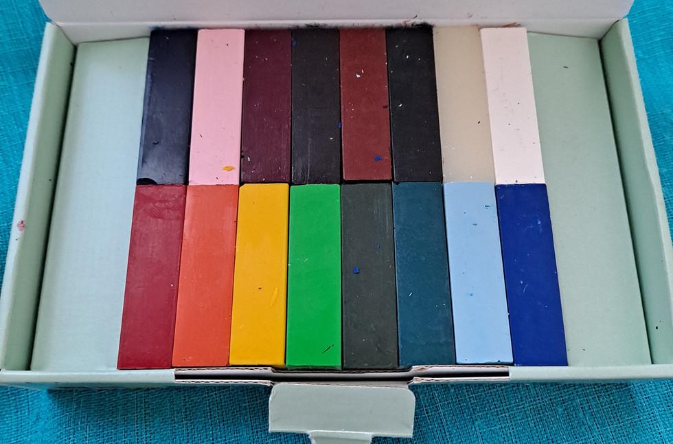 Vahavärilajitelma, 16 väriä