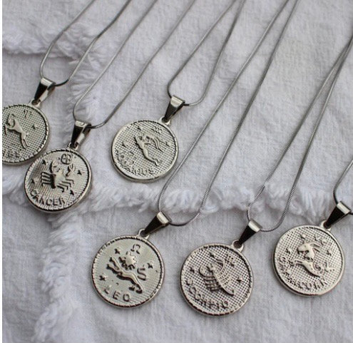 Collier Astro avec médaillon argent