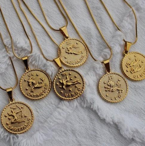 Collier Astro avec médaillon or