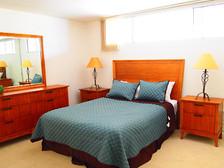 apt_bedroom.jpeg
