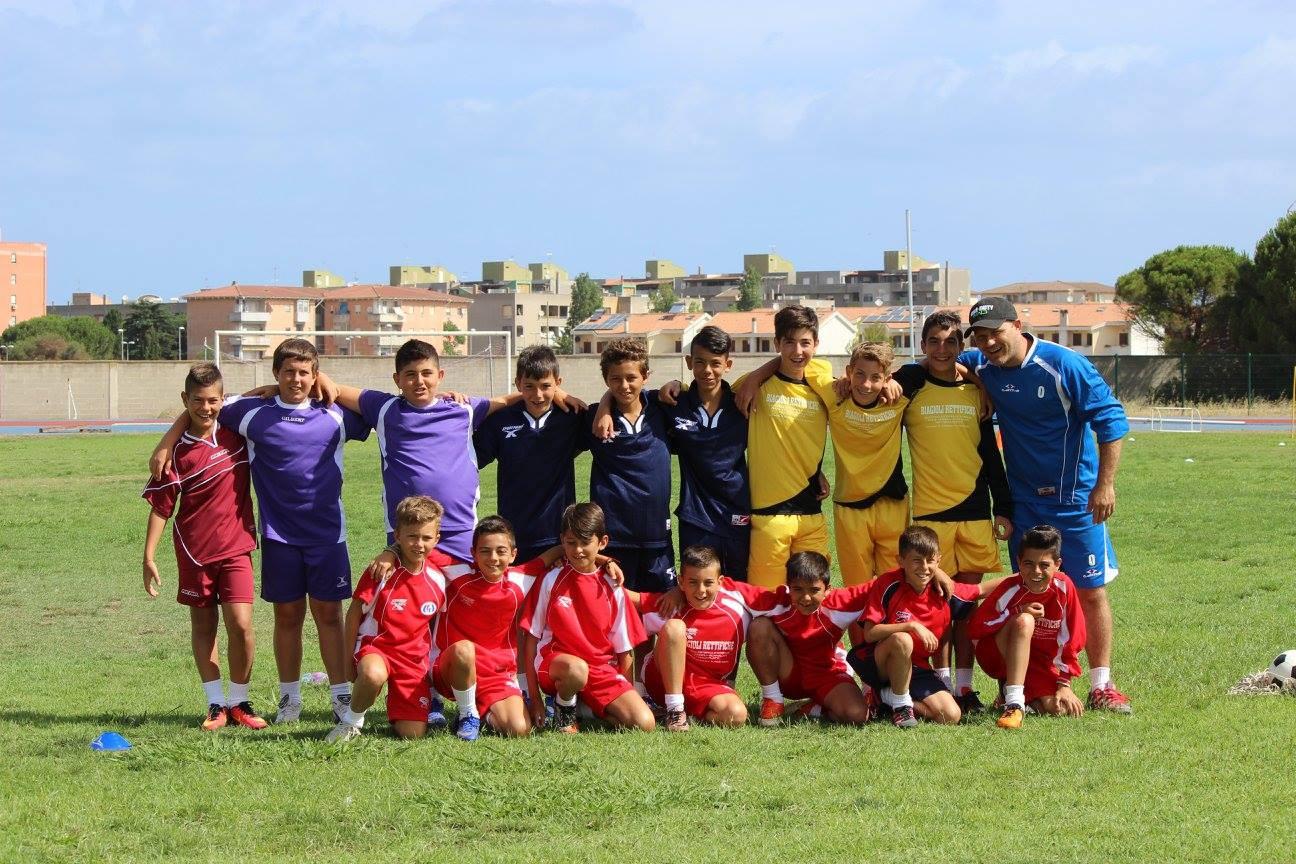 Foto di gruppo con mister Alberto Villa
