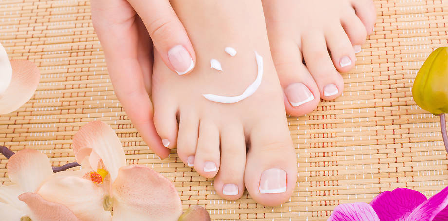Dipping Powder and Deluxe Pedicure