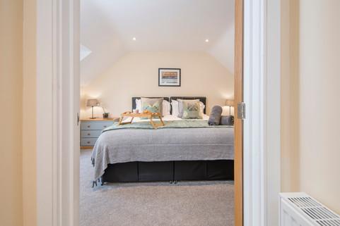 _DSC4722_4  bedroom.jpg